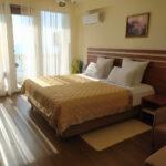 Утес гостиница Стандарт с видом на море с балконом