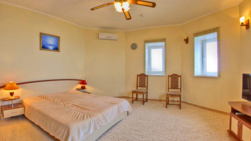 Крым Алушта Утес санта барбара гостиница Парадиз (209)